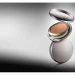 Laura-Mercier-Tinted-Moisturizer-Compact