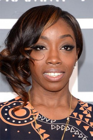 Estelle-at-the-Grammy-Awards-in-Lancome