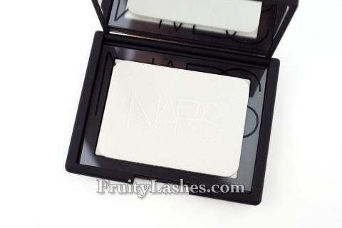 Nars Light Reflecting Pressed Powder Applicator