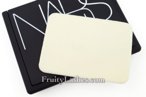 Nars Light Reflecting Pressed Powder Sponge Applicator