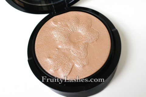 Giorgio Armani Belladonna Highlighting Palette