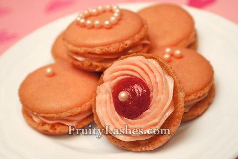 Rose Macaron Rose Buttercream Strawberry Bull's-eyes Filling
