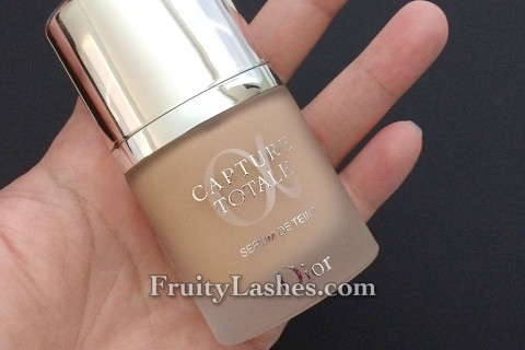 Dior Capture Totale Serum Foundation 020